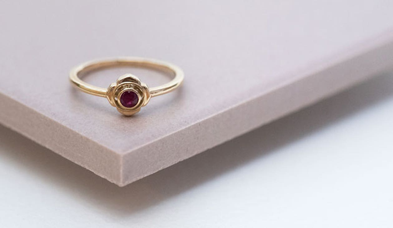 Base Chakra Ring / 9k Yellow Gold / Ruby
