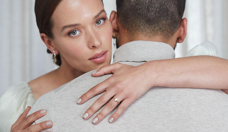 Claridad Engagement Ring / 18k Yellow Gold / 0.70 carat Diamond