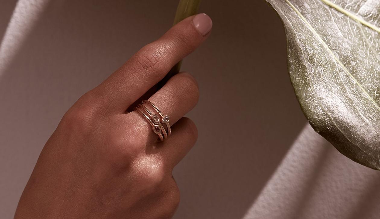 Kun Ring / 18k Yellow Gold / Aquamarine