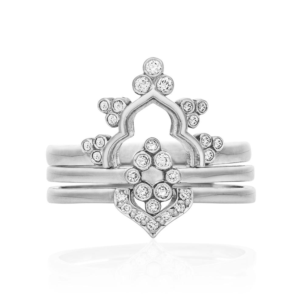 Aya Ring. 9k White Gold / Diamond - Image