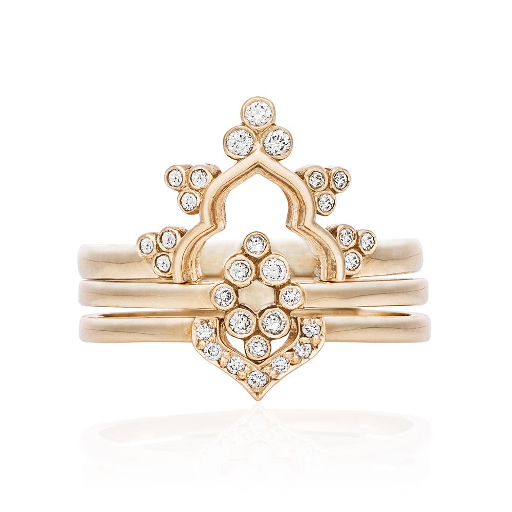 Petal Ring. 9k Yellow Gold / White Diamond.