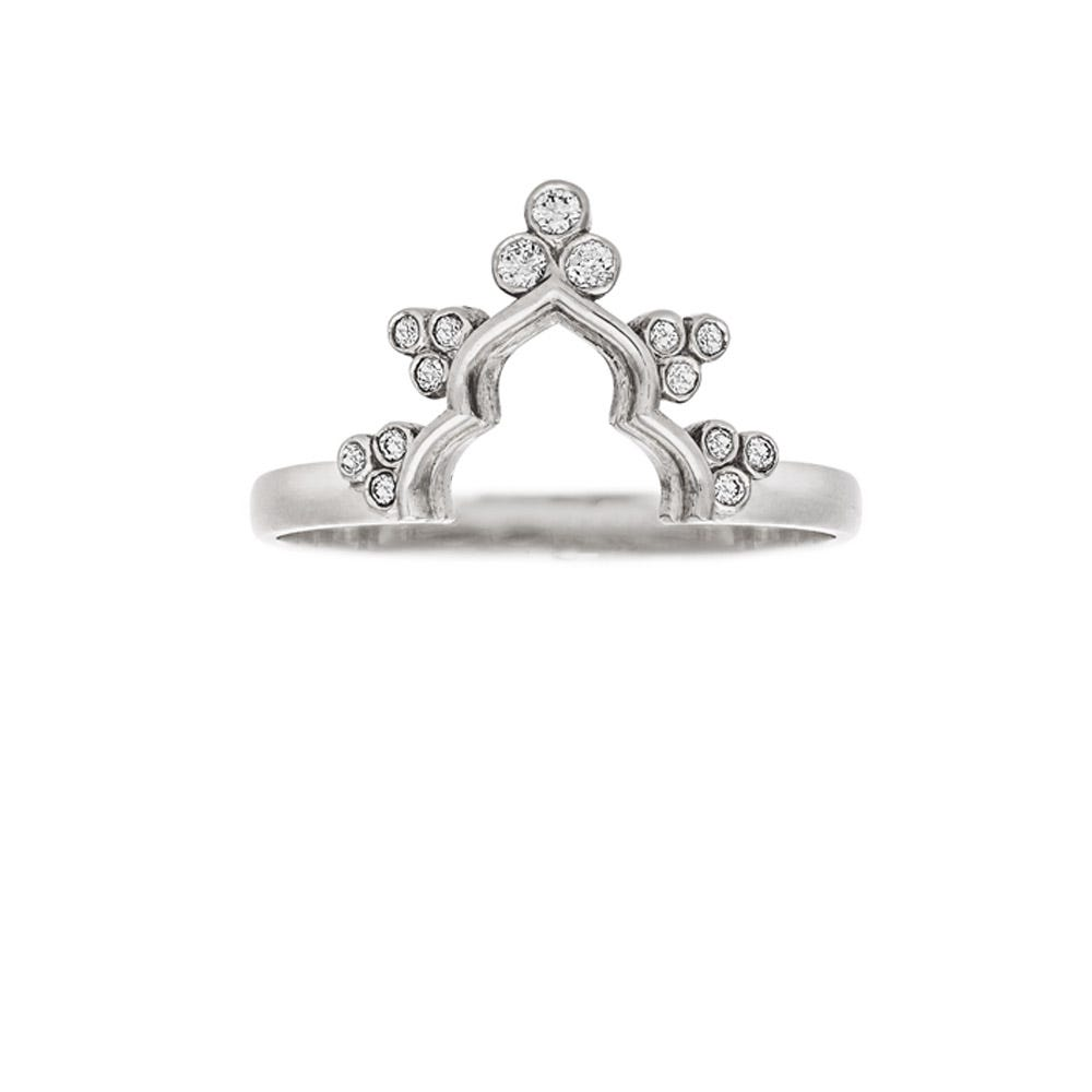 Zahra Ring. 9k White Gold / Diamond